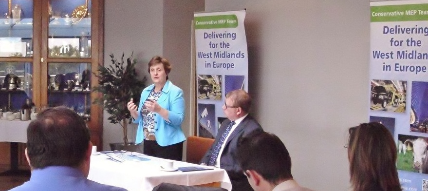 Anthea McIntyre MEP addresses a Business Breakfast in Nuneaton